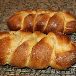 pulla (Finnish coffee bread)
